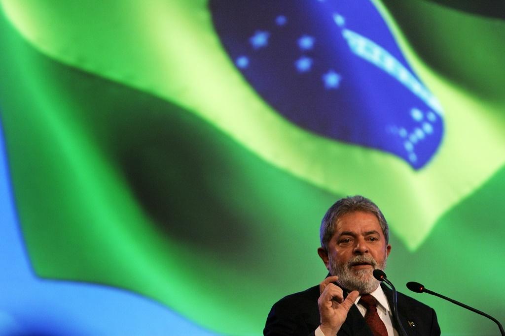 Lula pronuncia un discurso en la conferencia internacional de Biofuels em Sao Paulo, Brasil, el 21 de noviembre de 2008.