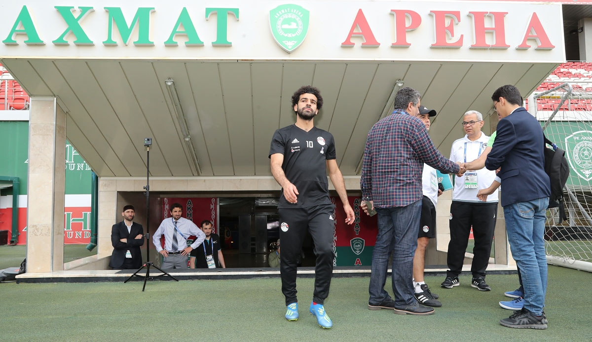 Egypt's forward Mohamed Salah arrives for a training session at the Akhmat Arena stadium in Grozny on June 17, 2018, ahead of the team's Russia World Cup 2018 Group A football match against Russia.  /