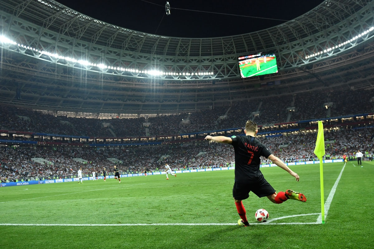 Croatia's midfielder Ivan Rakitic takes a corner kick during the Russia 2018 World Cup semi-final football match between Croatia and England at the Luzhniki Stadium in Moscow on July 11, 2018