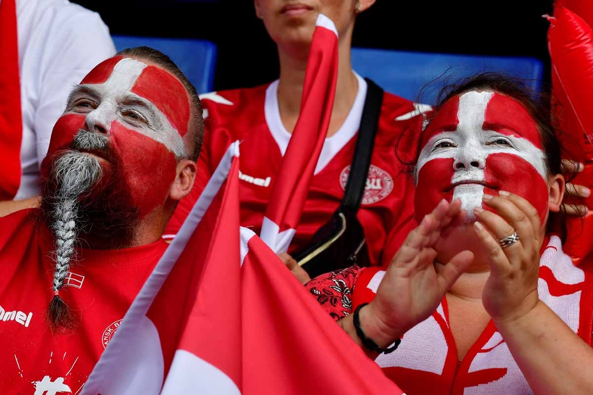 Denmark supporters cheer prior to the  UEFA Women's Euro 2017 football tournament semi-final match between Denmark and Austria at the Rat Verlegh Stadium, in Breda, on August 3, 2017. /