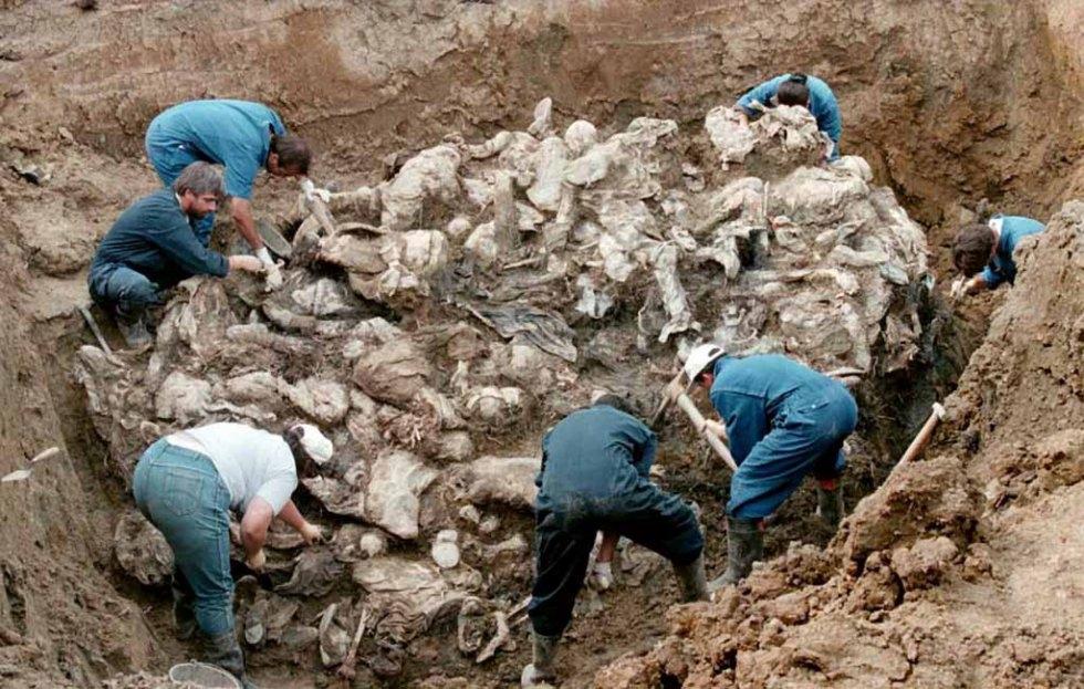 Risultato immagine per Massacro di Srebrenica