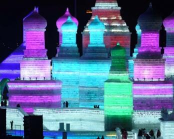 Le Festival de sculpture sur glace et de neige de Harbin, en janvier 2016