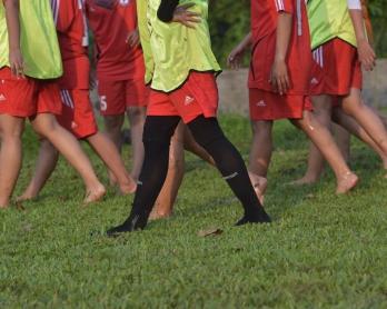 Séance d'entraînement au club de football féminin Cibubur Soccer Club de Jakarta, le 26 mars 2015