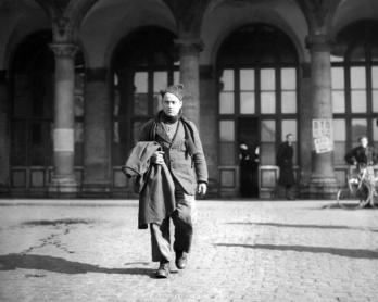 Retour par la gare de l'Est d'un prisonnier de guerre en avril 1945 (AFP)