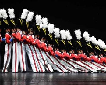 La 'Parade des soldats de bois', numéro culte du spectacle de Noël des Rockettes (AFP / Timothy A. Clary)